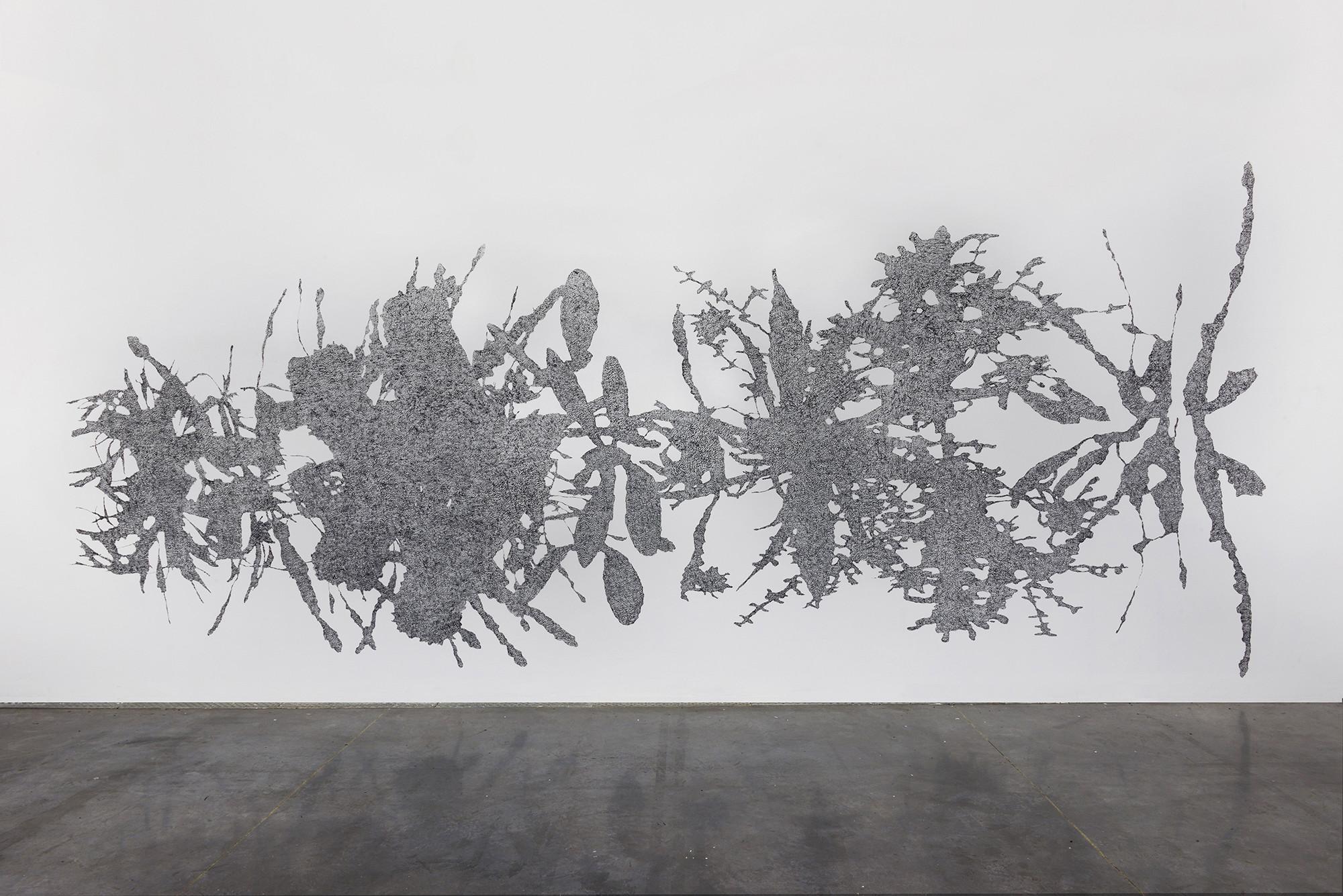 Bernhard Rüdiger, XXe Fin - Cry, 2002-2015, dessin mural, craie grasse. Vue de l'exposition au Frac Languedoc-Roussillon. Photo Pierre Schwartz